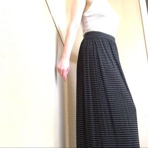 LOFT Petites Black Grey Striped Maxi Skirt Medium
